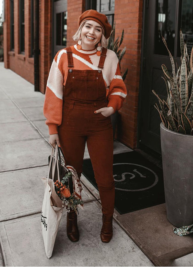 Suéter com jardineira marsala