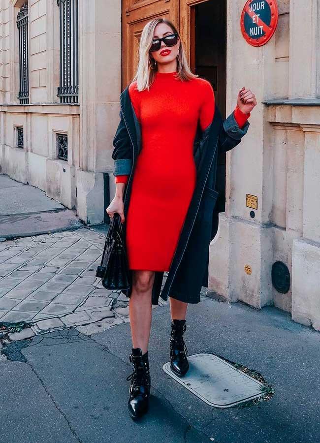 vestido vermelho com bora