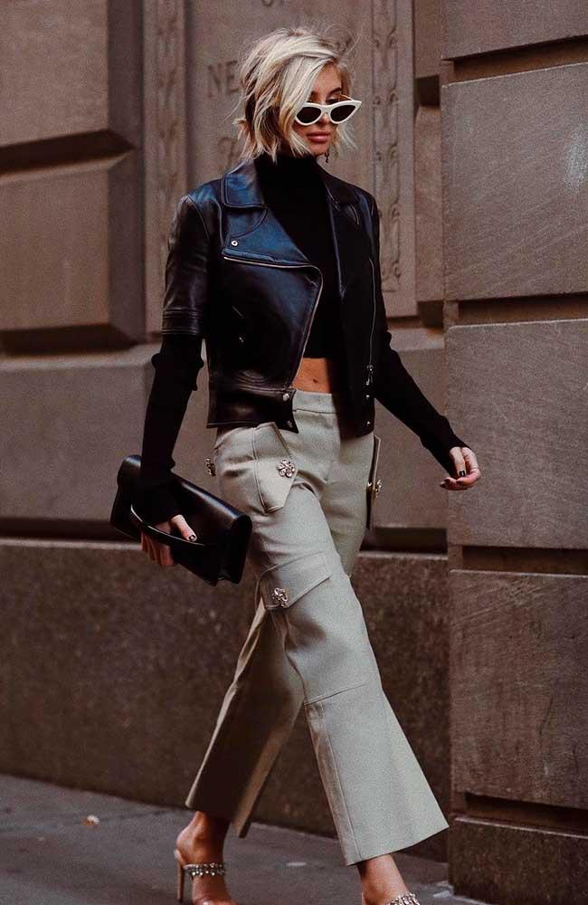 Jaqueta de couro com cropped