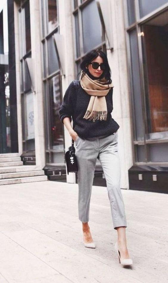 suéter e calça de alfaiataria