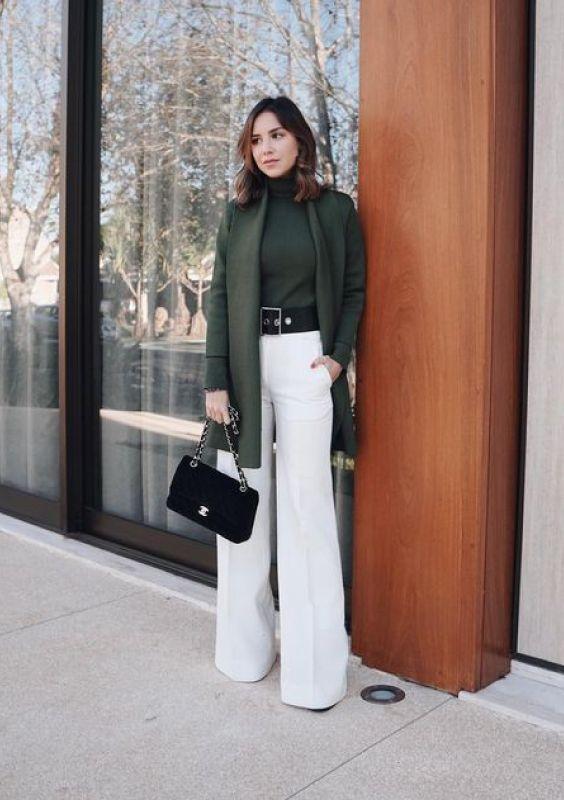 Maxi casaco e calça branca