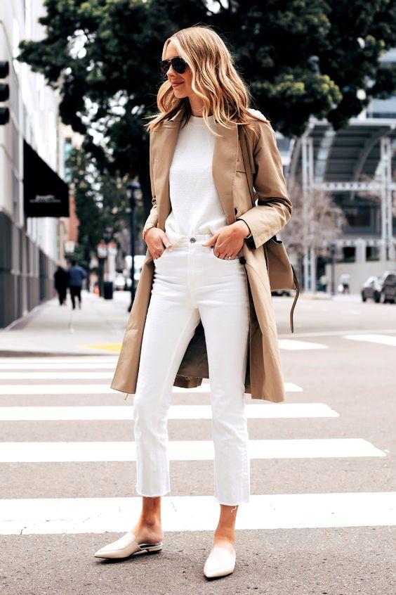 total white e trench coat em tons terrosos