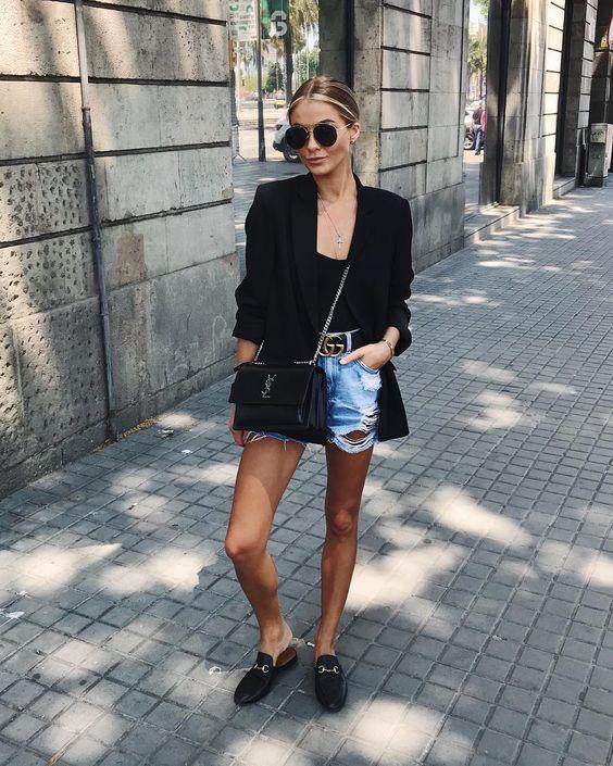 short jeans desfiado e loafer