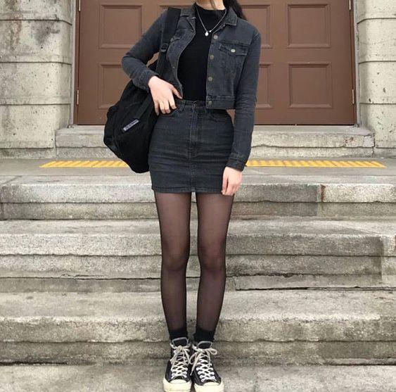 jeans com jeans e meia-calça
