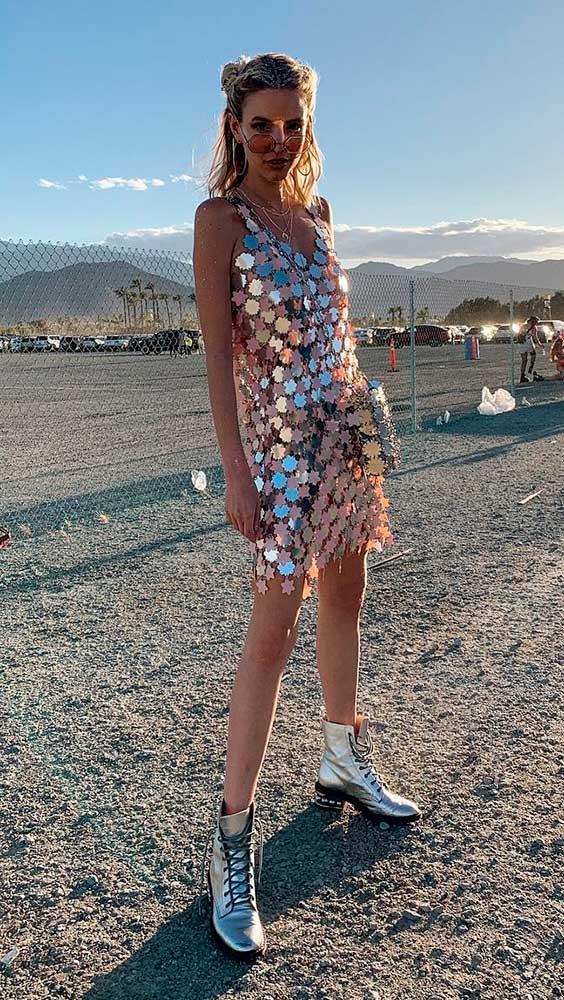 Vestido de paetês no Coachella