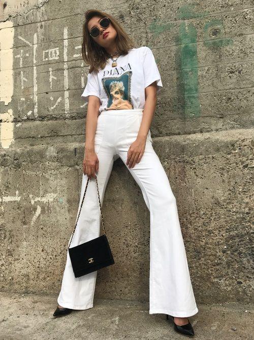 lotal white com t-shirt