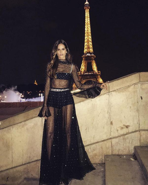 vestido de festa preto com transparência