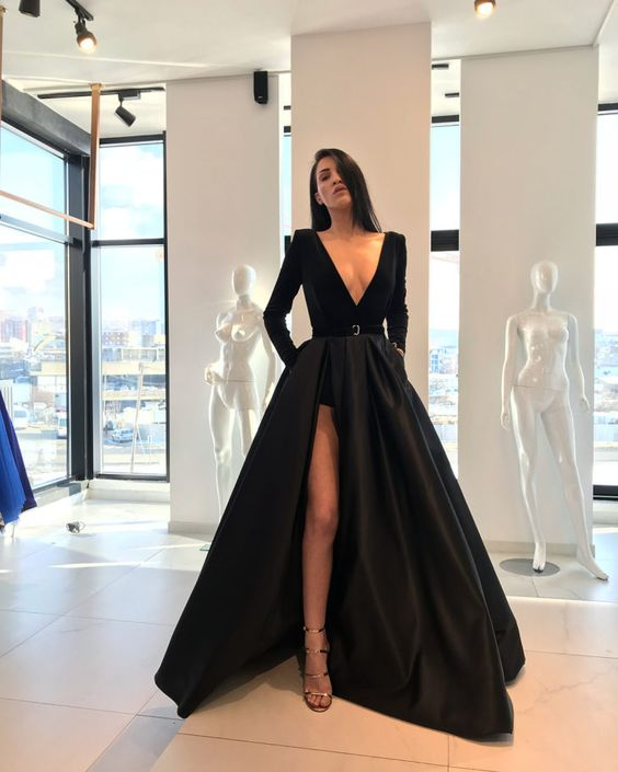 vestido de festa com fenda e decote