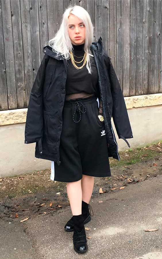 Billie Eilish usando all black