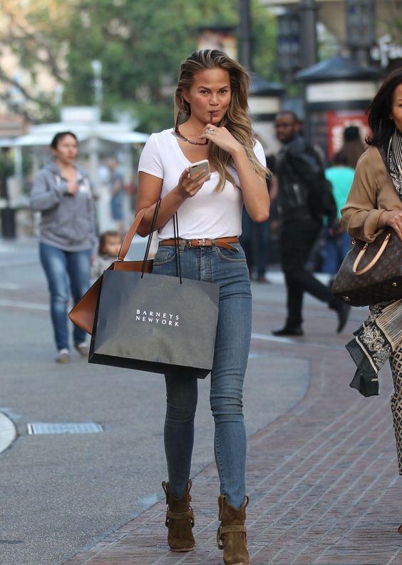 blusa e calça jeans