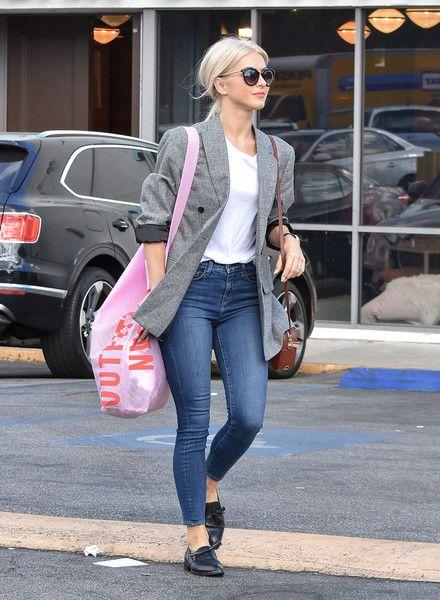 blazer cinza + rosa bolsa