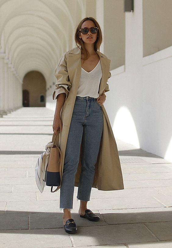 t-shirt branca e calça jeans