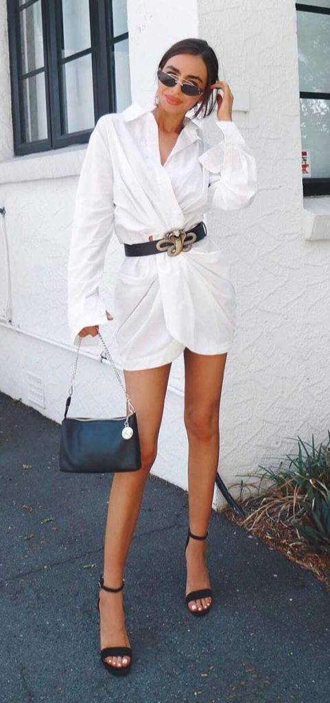 camisa branca com cinto
