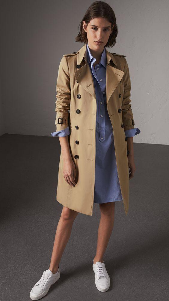 trench coat com vestido chemise