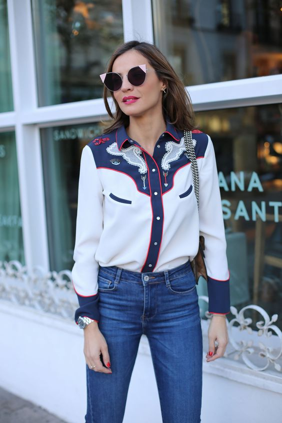 camisa western e calça jeans