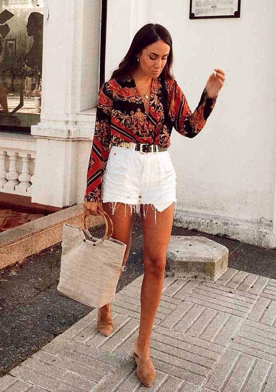 camisa e short branco jeans