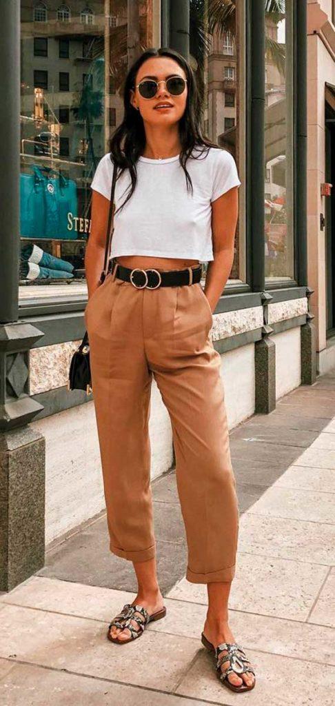 Michelle Infusino, calça marrom