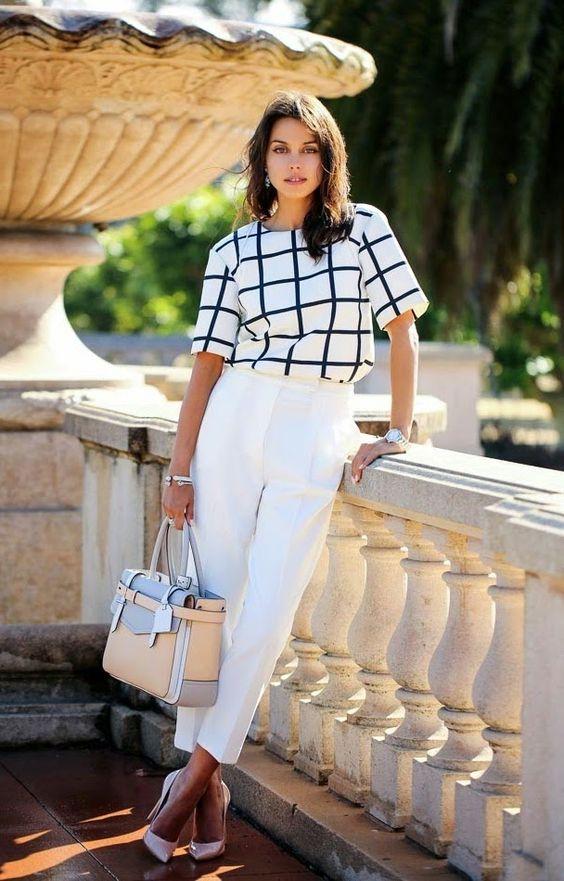 blusa xadrez e calça branca