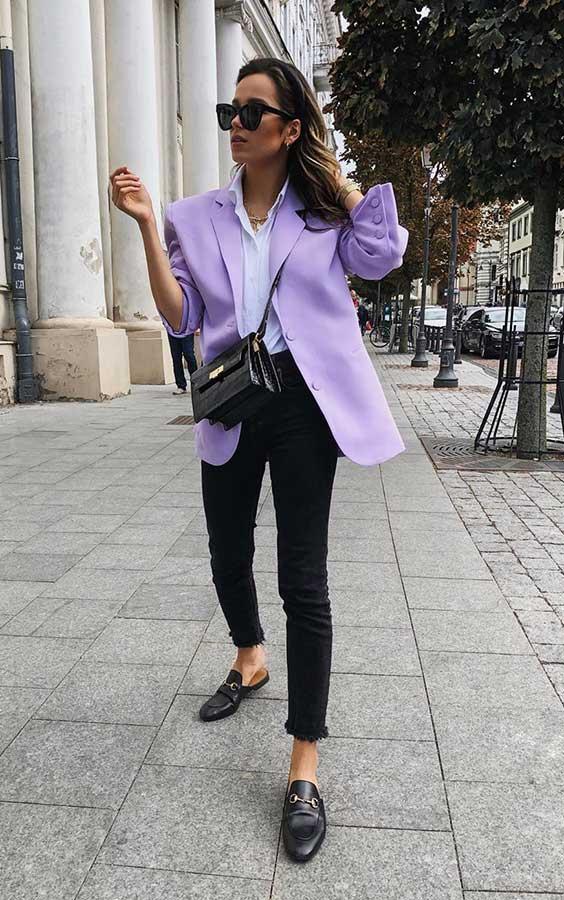 produção basiquinha com blazer lilás