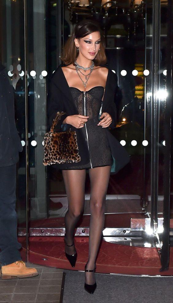 vestido tubinho com meia calça