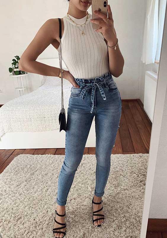 Thanya W. body branco calça jeans clochard