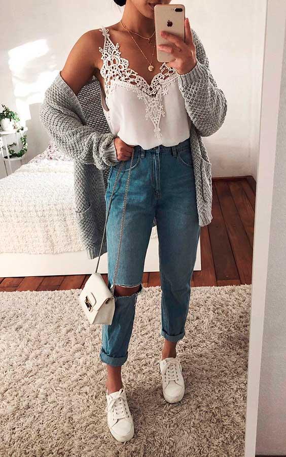 Thanya W. maxi cardigan cinza regata com renda e calça jeans destroyed