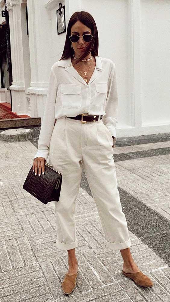 look monocromático, camisa e calça off white