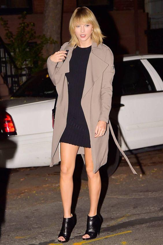 Taylor Swift com vestido preto