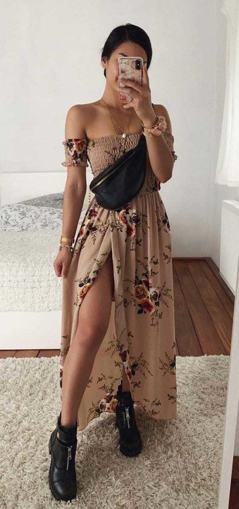 vestido longo floral com pochete e coturno