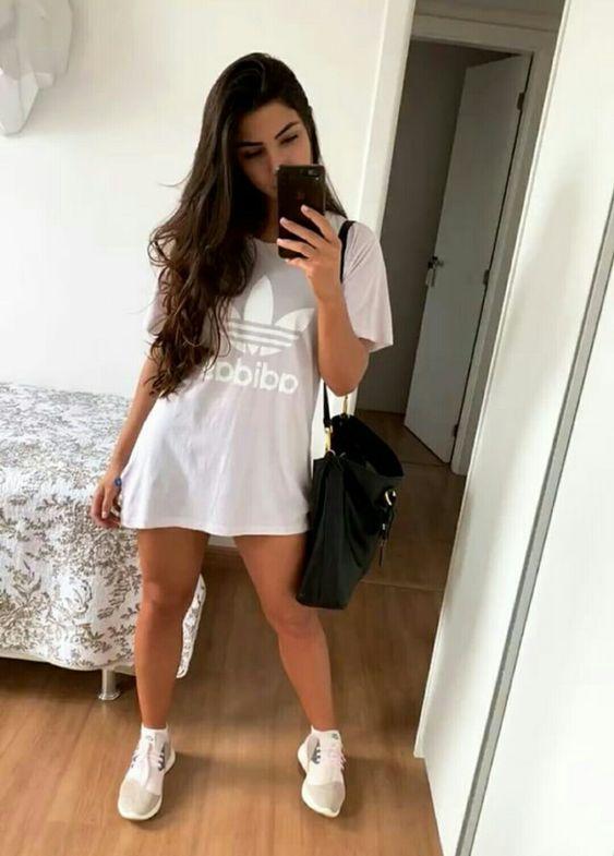 blusão esportivo com tênis