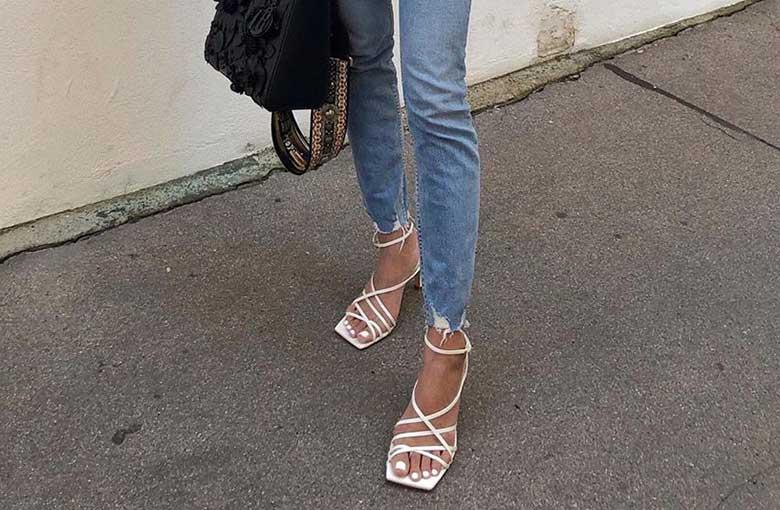 sandália de bico quadrado lace up