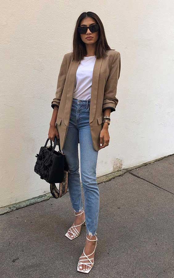 calça jeans e blazer