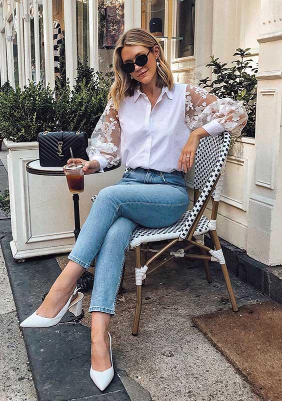 camisa branca e calça jeans
