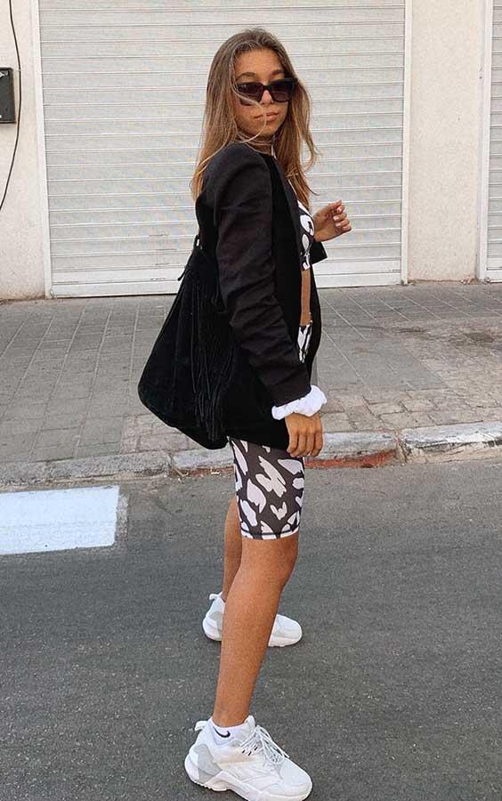 preto blazer + biker shorts e top, conjuntinho