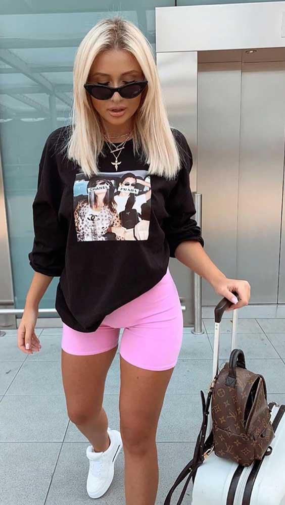 looks descomplicados com t-shirt e biker shorts