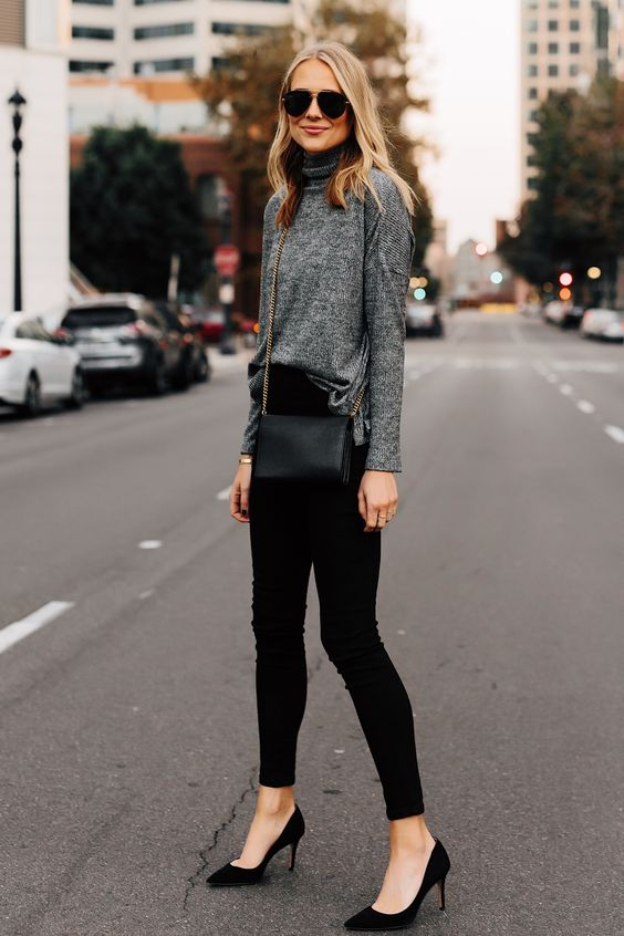 sapatos, carpin preto e calça perta
