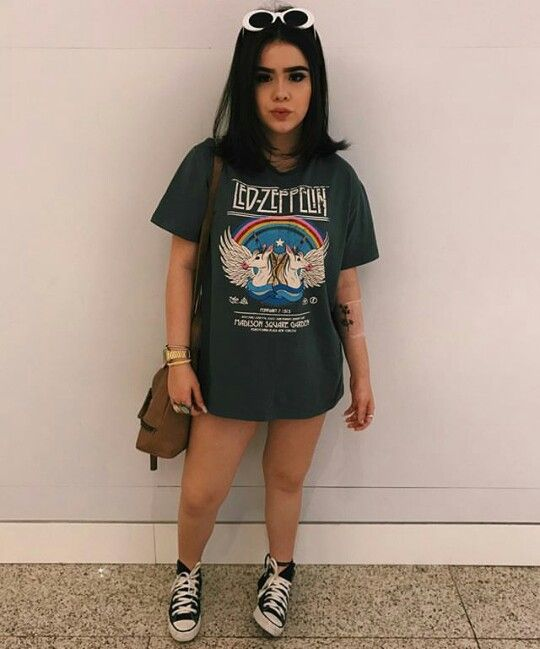 tênis all star e t-shirt dress