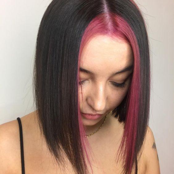 cabelo chanel liso com mecha frontal rocha