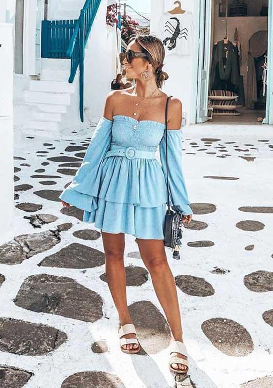 vestido curto azul serenity com mangas bufantes e babados