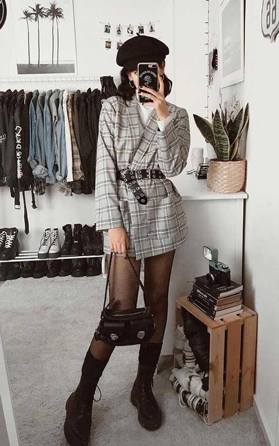 blazer, cinto e meia calça preta