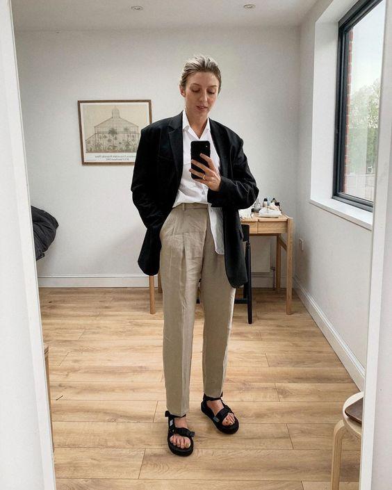 blazer preto, blusa branco, calça de alfaiataria
