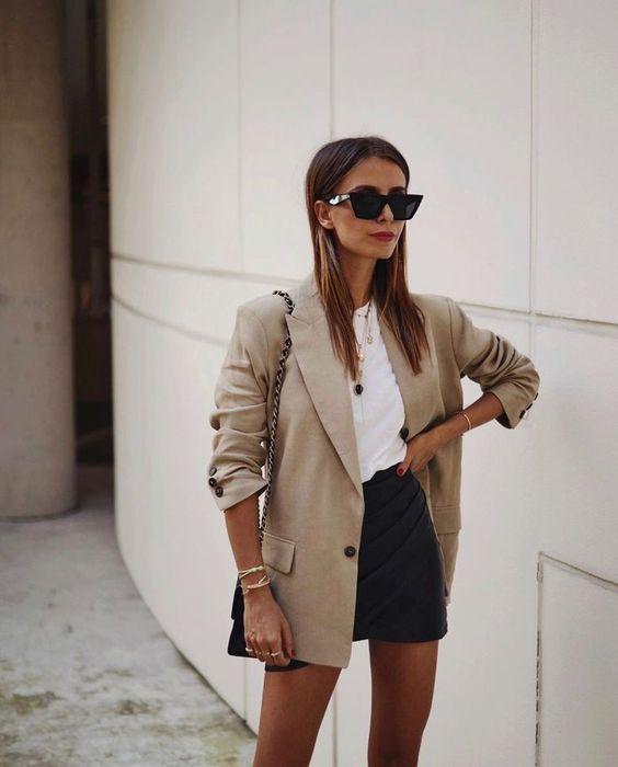blusa branca e minissaia