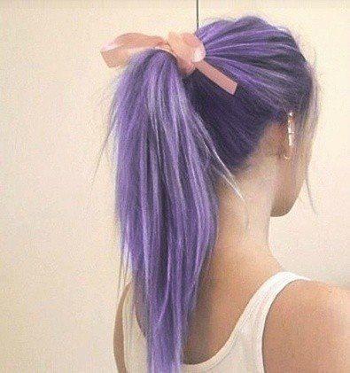 Cabelos coloridos, rabo de cavlo violeta