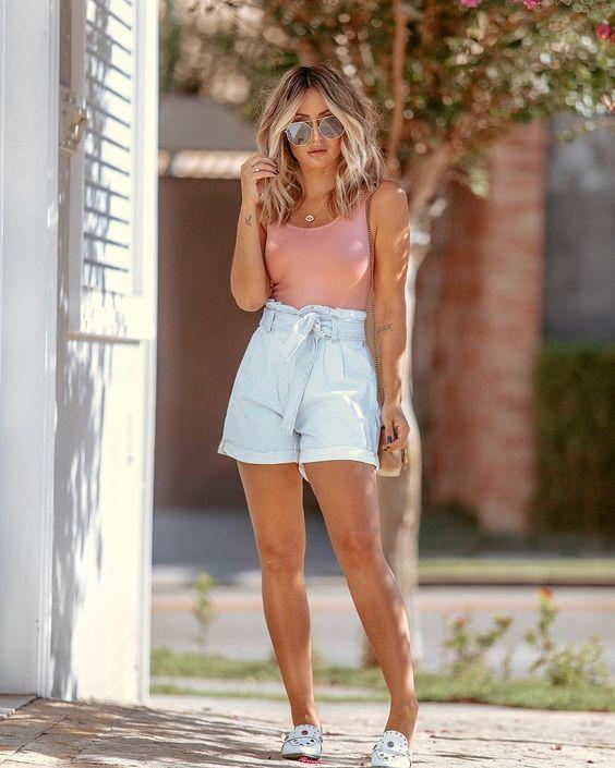blusa rosa, short clohard jeans