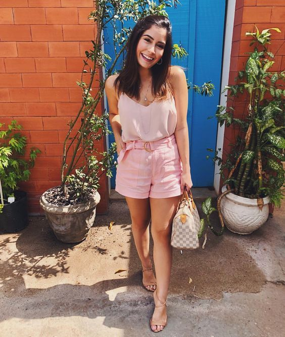 look monocromático rosa