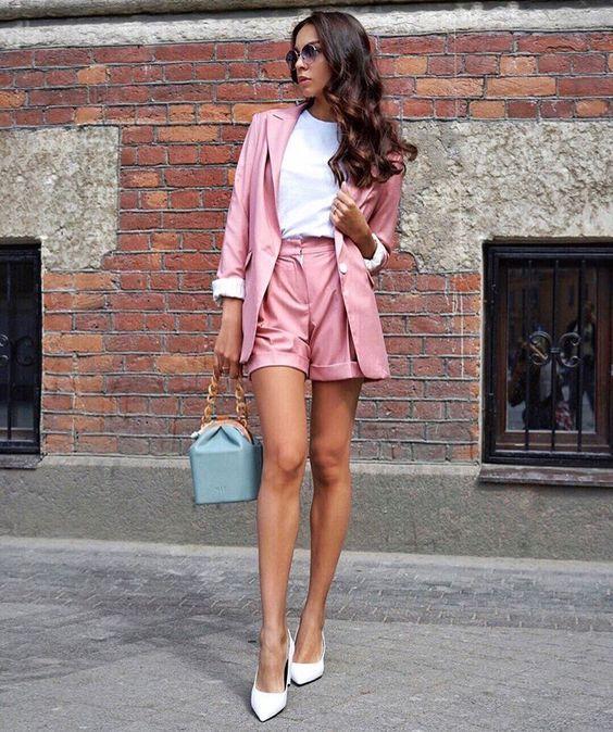 terninho rosa e scarpin branco