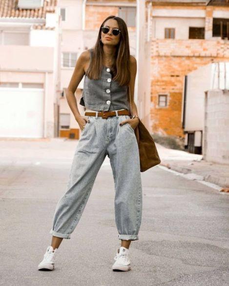 slouchy jeans e tênis branco