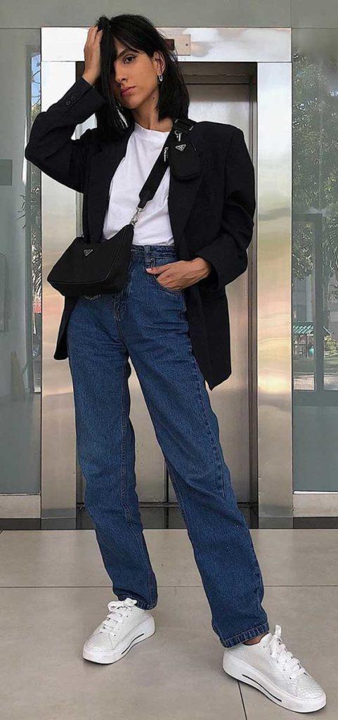 look de outono, blazer preto, blusa branca e calça jeans