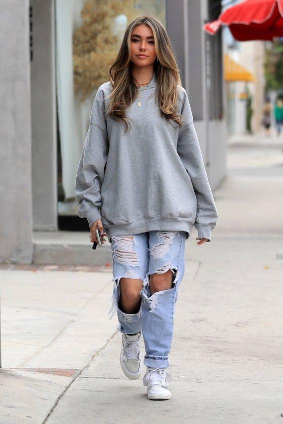 moletom cinza, calça jeans destroyed