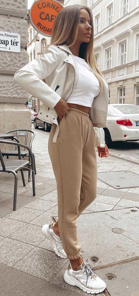 cropped e calça jogger para ir ao mercado